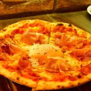 窯焼きピザは30種/\500で☆サクッと香ばしい本格派!