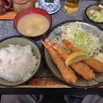 かつ銀 - 日替わりランチ エビフライ定食 810円