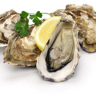 11月のおすすめ食材はポルチーニ茸と岩手産山田湾牡蠣です。