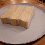 Sandwich Box - 特製玉子サンド¥680
