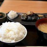 旬菜家庭料理なかよし - サバの塩焼き定食