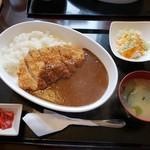 御食事&喫茶 喰亭 - 料理写真:カツカレー 1050円