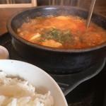 カルビ丼とスン豆腐専門店 韓丼  - 牛すじのスンドゥブチゲ(2018.11.現在)
