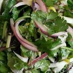 老北京 火鍋料理 蝎子王 - 野菜と玉ねぎの和え物
