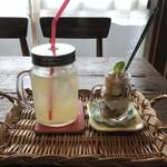 ポチ屋cafe - ドリンクはセット外、プラス200円で付きます(2018.11.1)