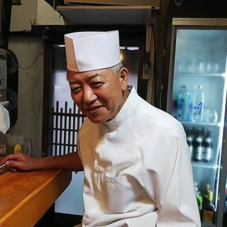 高級店で修業を積んだ店主。紡ぎ出される京料理に、舌鼓を打つ。