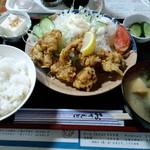 柳屋 - 鶏の唐揚げランチ