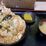 富士 - 天玉丼(てんぎょくどん)   830円