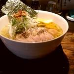 95691694 - 【2018.11.1(木)】味玉白鶏麺(大盛・250g)880円
