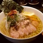 95691697 - 【2018.11.1(木)】味玉白鶏麺(大盛・250g)880円