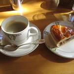 万平ホテル カフェテラス - アップルパイセット