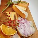 ジョンさんのおまかせチーズ盛り合わせ 3種盛り