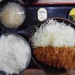 とんかつ 麻釉 - ロースかつ定食860円(ランチ利用)
