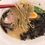 博多長浜麺食堂 ちー坊 - 麺アップ