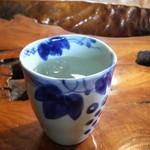 古処 - お冷  陶器(磁器)のカップ