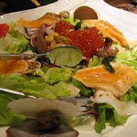 北の味紀行と地酒 北海道 - 海鮮サラダはけっこう大きいです
