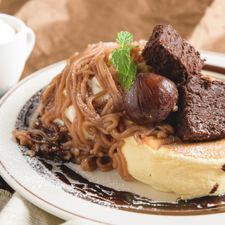 11月のパンケーキ「モンブラン風パンケーキ」