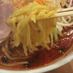 ラーメンめん丸 - 太麺をチョイス