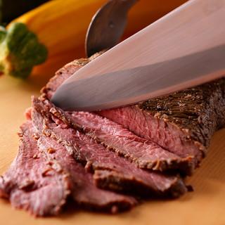 自慢の逸品!厳選された黒毛和牛ステーキをご堪能ください。