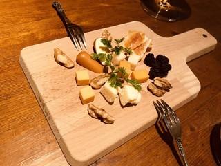 ソールダイナーループ - チーズ盛り