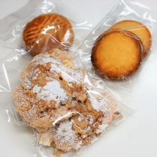 洋菓子舗 茂右衛門 - 料理写真:焼き菓子 3点