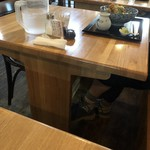 手打蕎麦のたぐと - テーブル席