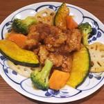 炙り牛たん 万 - 料理写真:鶏の黒酢あんかけ