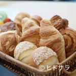 カフェトスカ - 天然酵母や厳選素材でつくる、フランス名店の『ホテルブレッド』