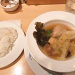 おまかせ亭 - サムゲタンランチ  1500円 サラダ、ライス、コーヒー、デザート付き