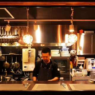 日本とフランスで長年研鑽を積んだシェフ小林