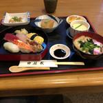 花友食堂 - 料理写真:寿司ランチ