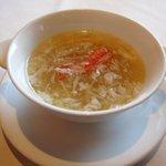 香虎 - 蟹肉入りフカヒレスープ