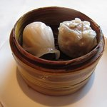 香虎 - 海老餃子と黒豚しゅうまい