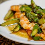 馬来風光美食 - 海老とアスパラ