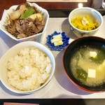 ゆずカフェ - すき焼き膳・700円