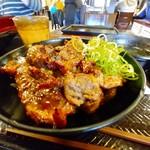 カルビ丼とスン豆腐専門店 韓丼 - 上カルビ丼のUP。