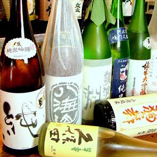 こだわり抜いた各地の日本酒や焼酎が充実◎魚料理との相性抜群!