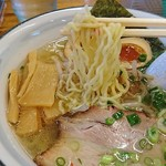 麺屋 無双 - 料理写真:細めの縮れ麺