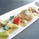 遊膳 グレビー - 真鯛のムニエル、サラダ仕立て