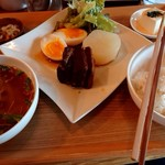 ライス&ヌードル フーフー - 豚の角煮定食♪