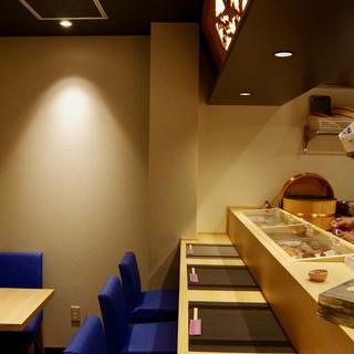 オシャレでモダンなお寿司屋さんです♪