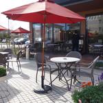 Nanakuma Cafe - テラス席ならペット同伴OKです。