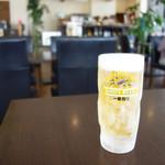 Nanakuma Cafe - お酒のファーストドリンクが300円(2杯目から通常料金)ということで、 生ビールを注文。
