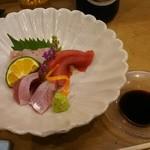 和の食彩 古城 - 刺身三点盛り イサキ、マグロ、そまカツオ