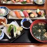 95768009 - 握り寿司と天麩羅の定食1480円