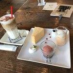 ヒカリノカフェ - アイスカプチーノと3種のドルチェ(^^)