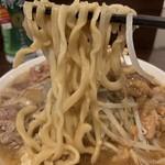 ピコピコポン - 【2018.10.20】加水率やや高めの中太麺。デロ気味な茹で上げ。