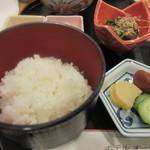 和食 や彦 - 朝食はご飯かお粥が選べましたがせっかくお米の美味しい新潟に来たんでご飯にしてもらいました。