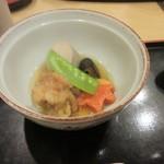 和食 や彦 - 唐揚げも野菜と共に上品な味の煮付としてセットになってました。