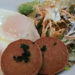 名古屋カレー食堂アンツ - ハムエツグセット800円のメイン皿   ハムは名宝ハム